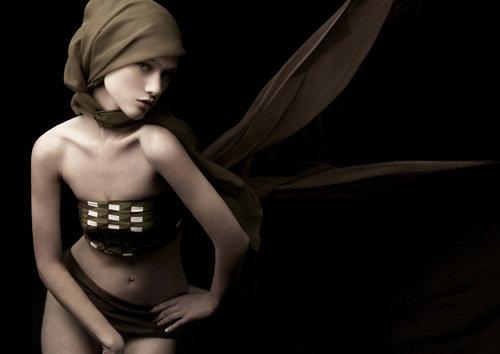 America's Next top model winner of season 13, Nicole with Tyra as