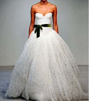Vera wang wedding gown how to make your own copy vera wang wedding gown white lace green ribbon junglespirit Gallery
