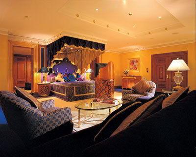 Sailboat Hotel Inside Burj Al Arab 7 Star Hotel In Dubai